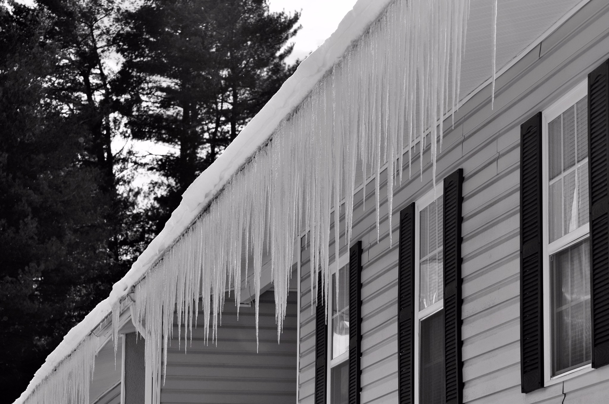 Don't to the experts at Evergreen Home Performance about preventing ice dam damage to your Maine home.