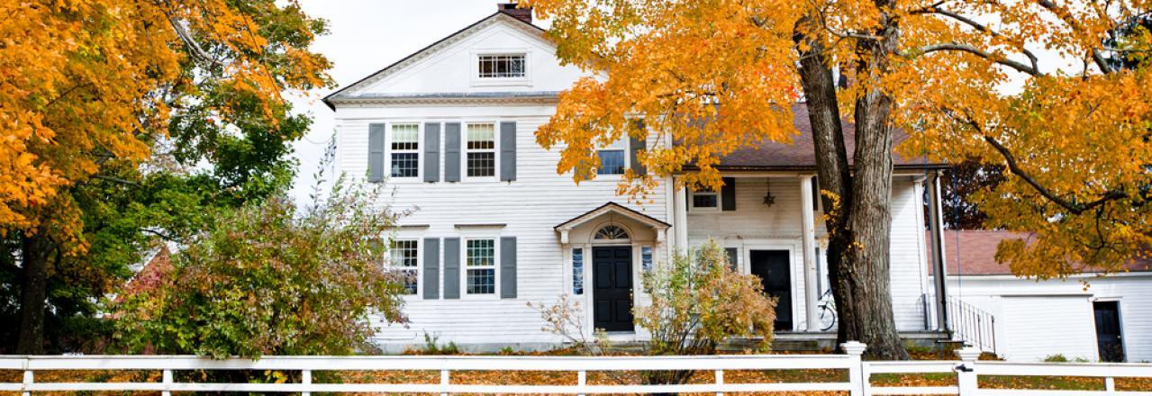 maine home exterior in autumn
